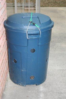 Building a Compost Bin - Fine Gardening.