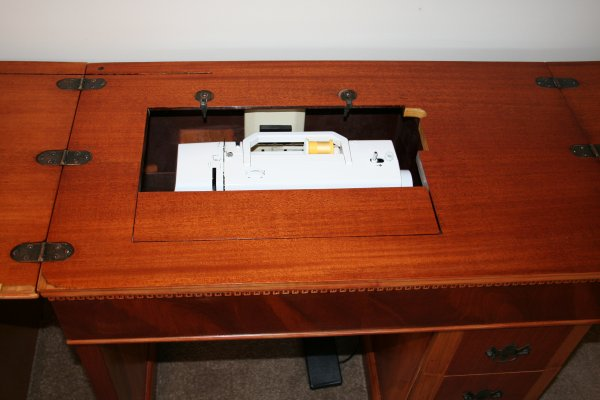 portable sewing machine cabinets