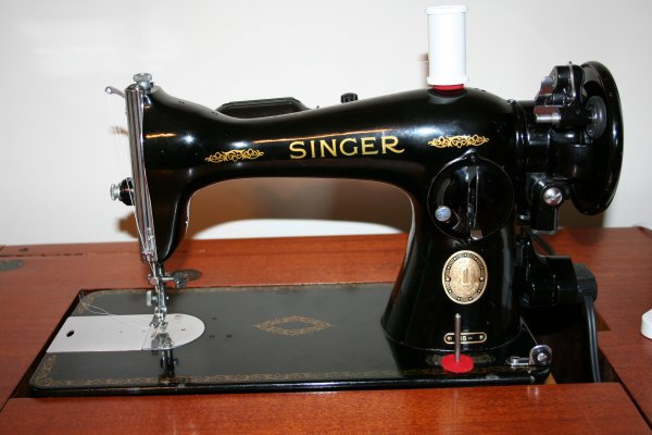 Singer 15-91 - An Art Deco Cabinet For My Singer 15-91 - Super Mom - No Cape!