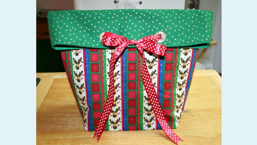 Grommet Bow Gift Bag Tutorial – Part 1