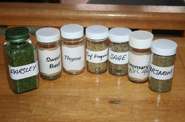 Ingredients for Italian Seasoning