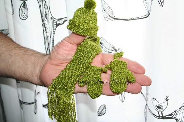 Mini Mittens, Hat and Scarf Set