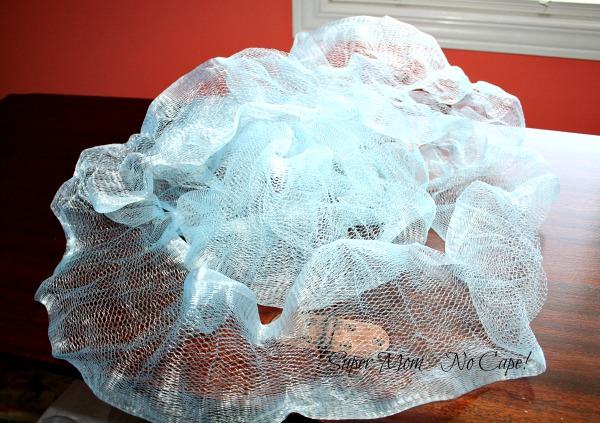 Netting from an unravelled shower puff