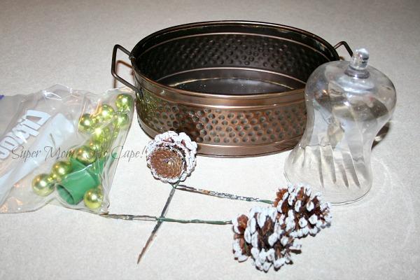 Easy Christmas Table Centerpiece – Last Minute Holiday Decor