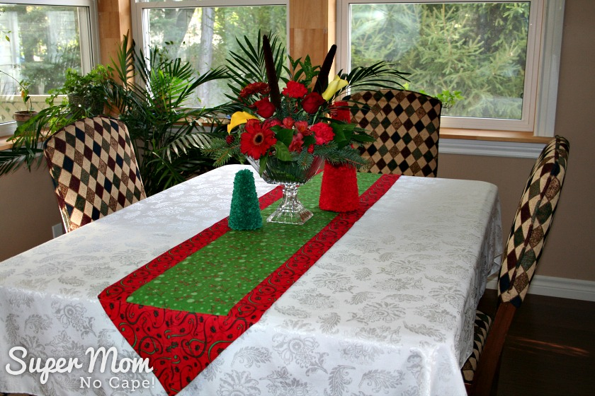 One Hour Table Runner - Christmas Table Runner - Red with Green Center