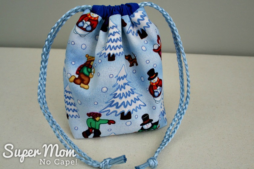 Closed Snowball Fight Drawstring Gift Bag