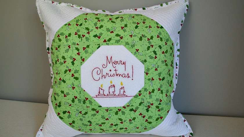 Quilted Christmas Wreath Pillow Cover Tutorial