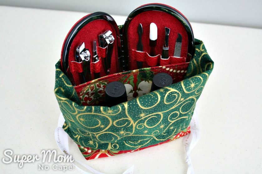 Red and Green Drawstring Divided Giftbag with Nail Care Set