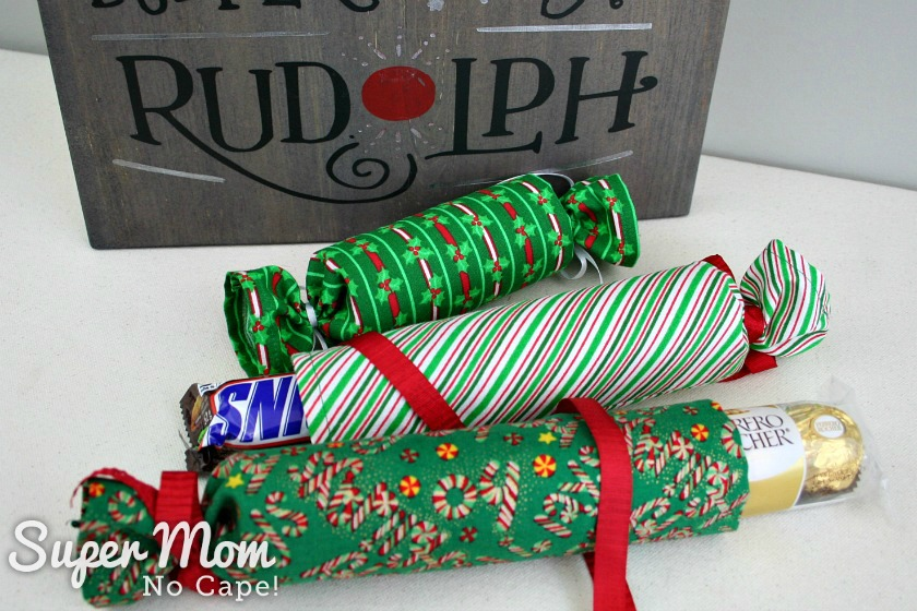 Diy fabric christmas crackers lots of filler ideas candy bar filler for fabric christmas crackers solutioingenieria Image collections