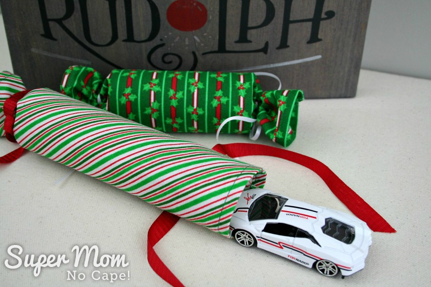 Diy fabric christmas crackers lots of filler ideas dinky car as filler for the fabric christmas crackers solutioingenieria Image collections