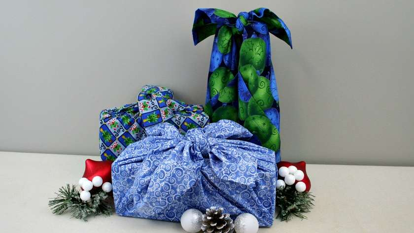 Christmas Furoshiki (Japanese Fabric Wrapping)