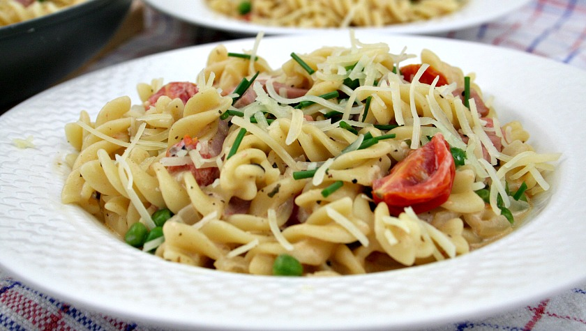 Leftover Ham and Peas Pasta